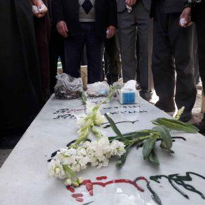 غبار روبی مزار شهدای سرافراز شهر دیزج دیز